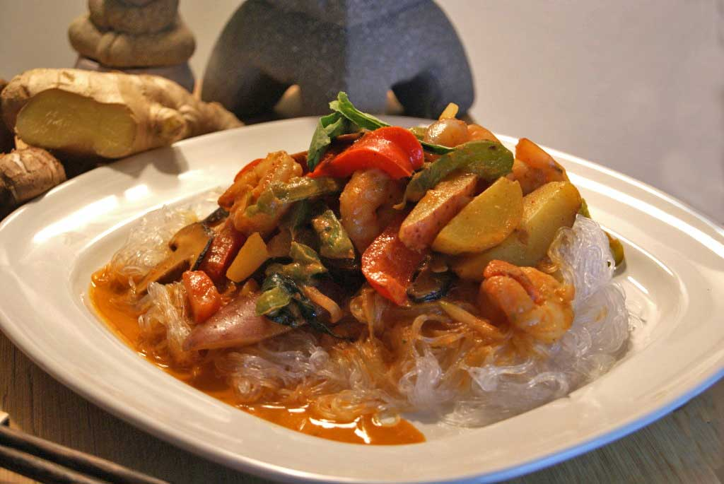 Red Curry Coconut Shrimp and Vermicelli - SugarLoveSpices