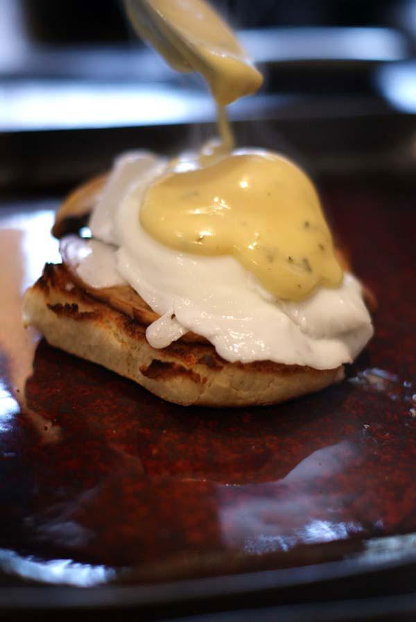 mushrooms eggs benedict