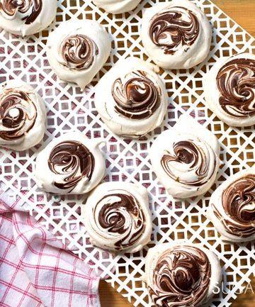 Chocolate Swirled Meringues