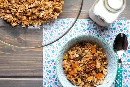 Toasted-Coconut-crunchy-Granola