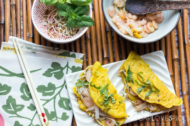 Vietnamese-Style Crispy Pancake with Shrimp and Bean Sprouts - SugarLoveSpices
