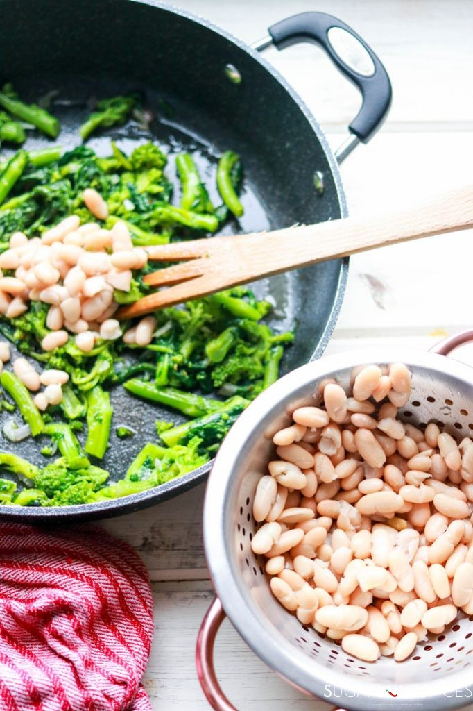 Spicy Italian Rapini and Cannellini Beans