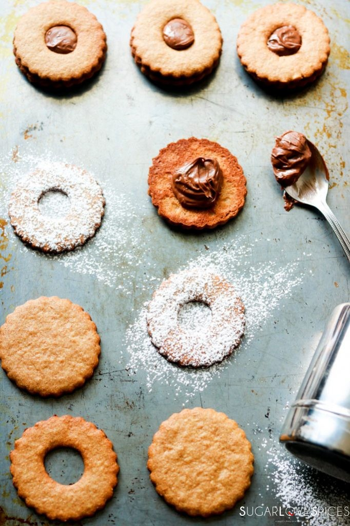 Spelt flour Occhi di Bue Cookies-filling cookies with chocolate