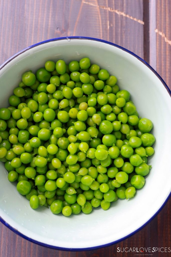 Pea Barley Risotto-blanched peas in a bowl