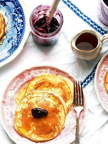 Lemon ricotta pancakes-on the plates-feature