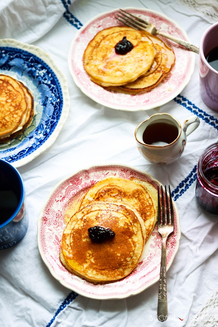 Lemon ricotta pancakes-on the plates