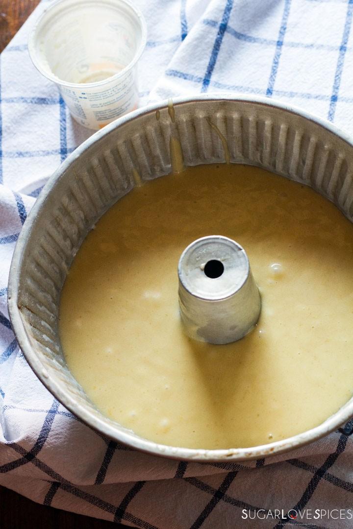 Ciambella allo yogurt (Easy Yogurt Cake)-ready for the oven