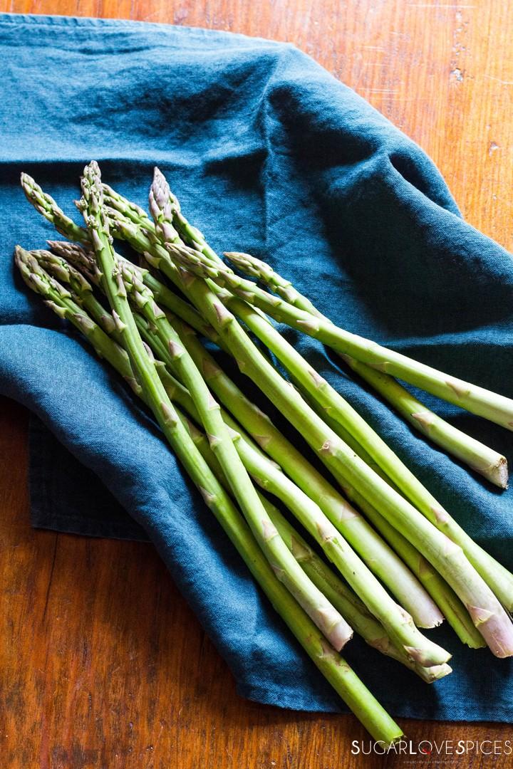 Simple Stove top Lemon Asparagus-asparagus
