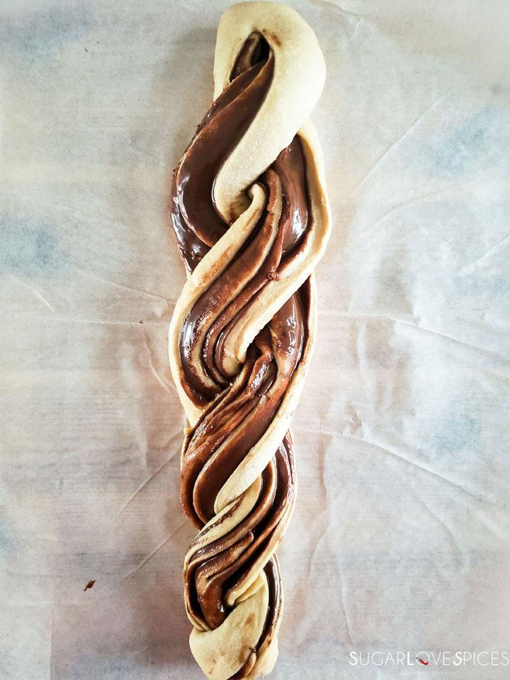 Nutella Pain Brioche braid-braided dough