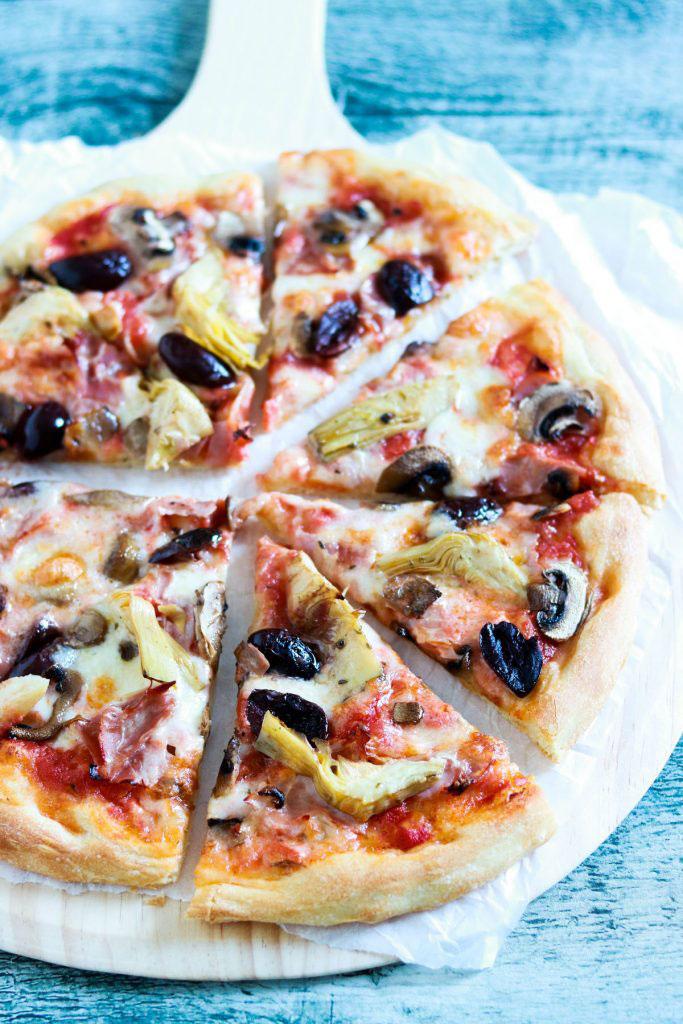 Capricciosa-pizza-closeup-cut-1