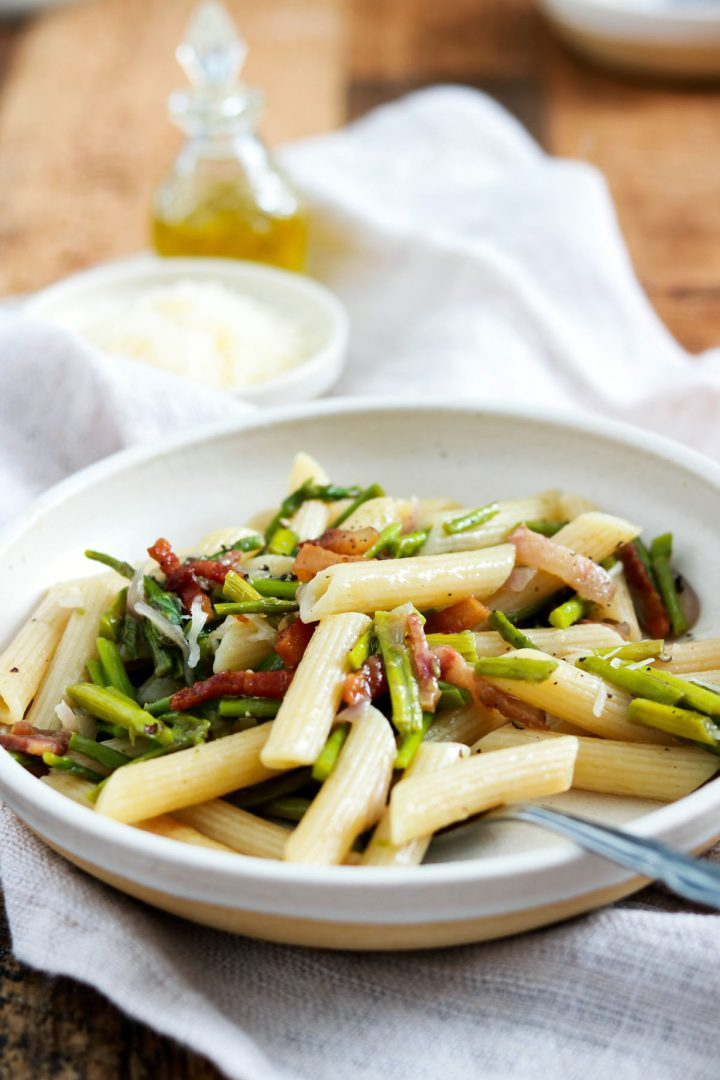 Easy Spring Penne with Asparagus and Guanciale-one plate-with fork