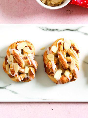 Luxembourg Sweet Love Pretzels-feature-4-pretzels-on-marble-board